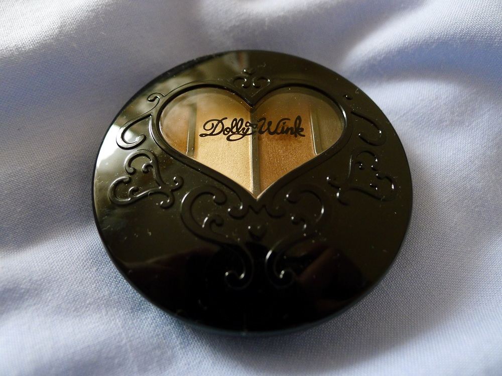 Dolly Wink Eyeshadow Review 1