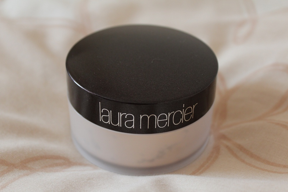 Laura Mercier Loose Setting Powder Review 1
