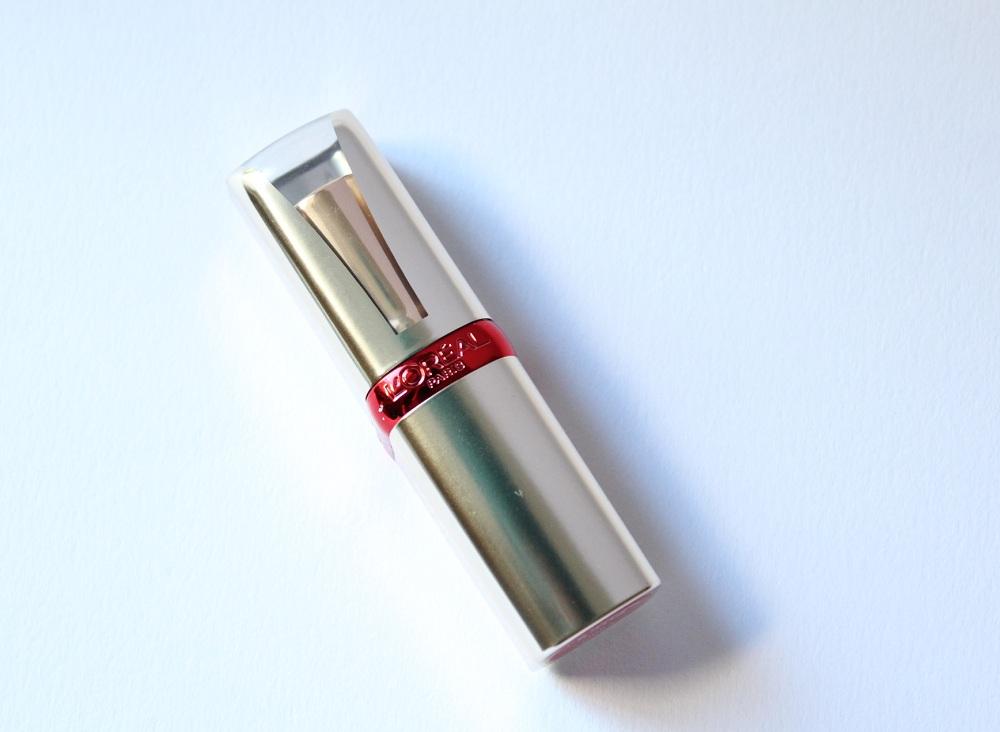 L'oreal Color Riche True Red Lipstick Review 1