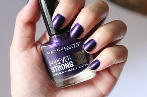 Maybelline Forever Strong Nail Polish Review 1