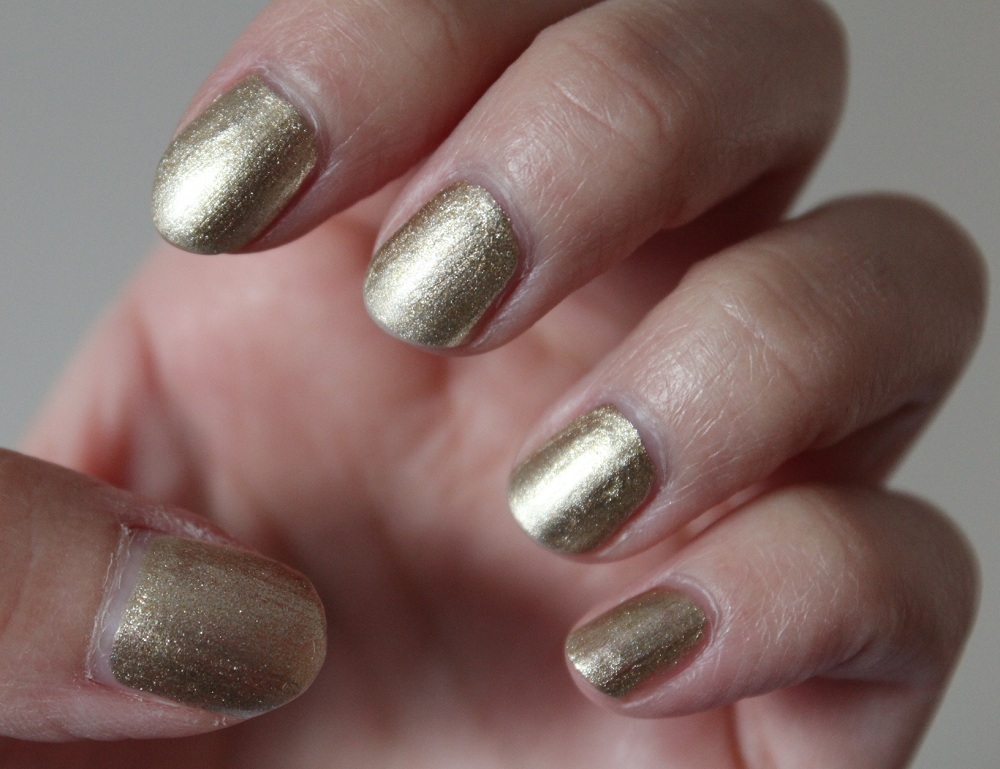 Nailgirls Gold Nail Polish Review 1