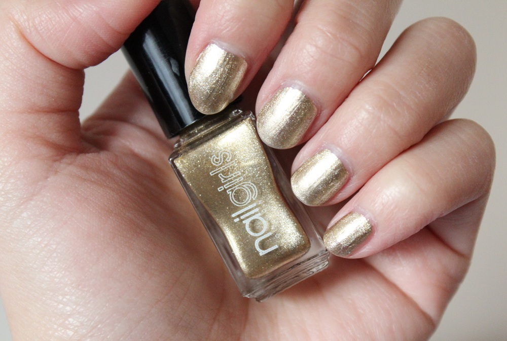 Nailgirls Gold Nail Polish Review 2