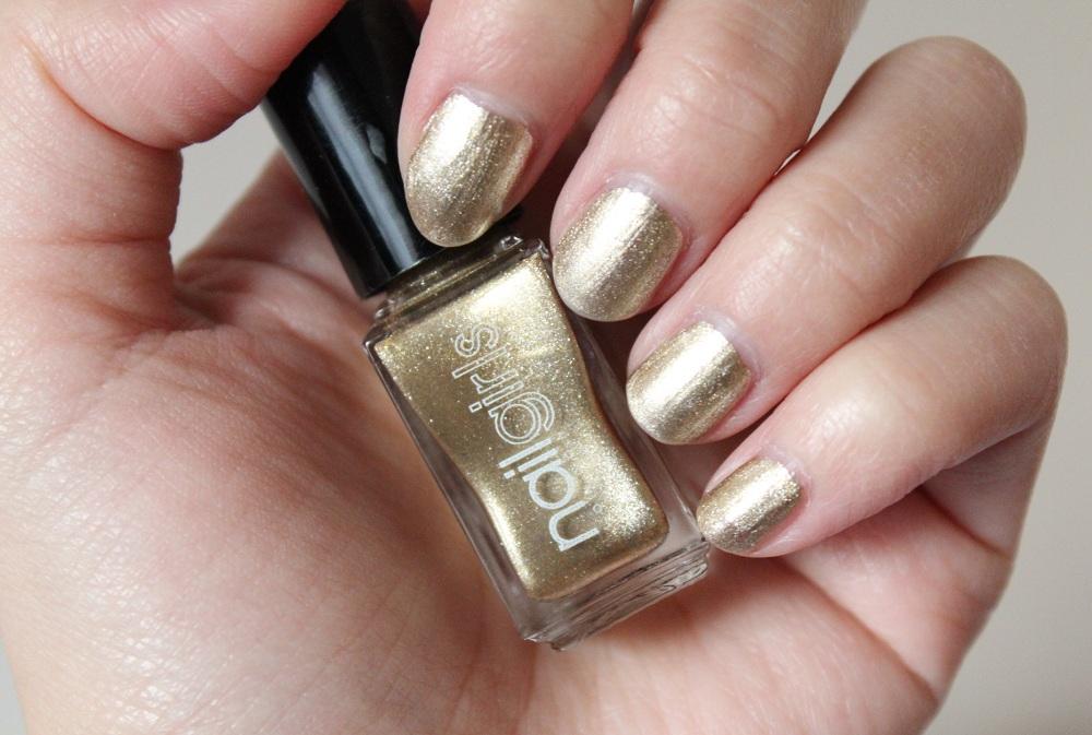 Nailgirls Gold Nail Polish Review